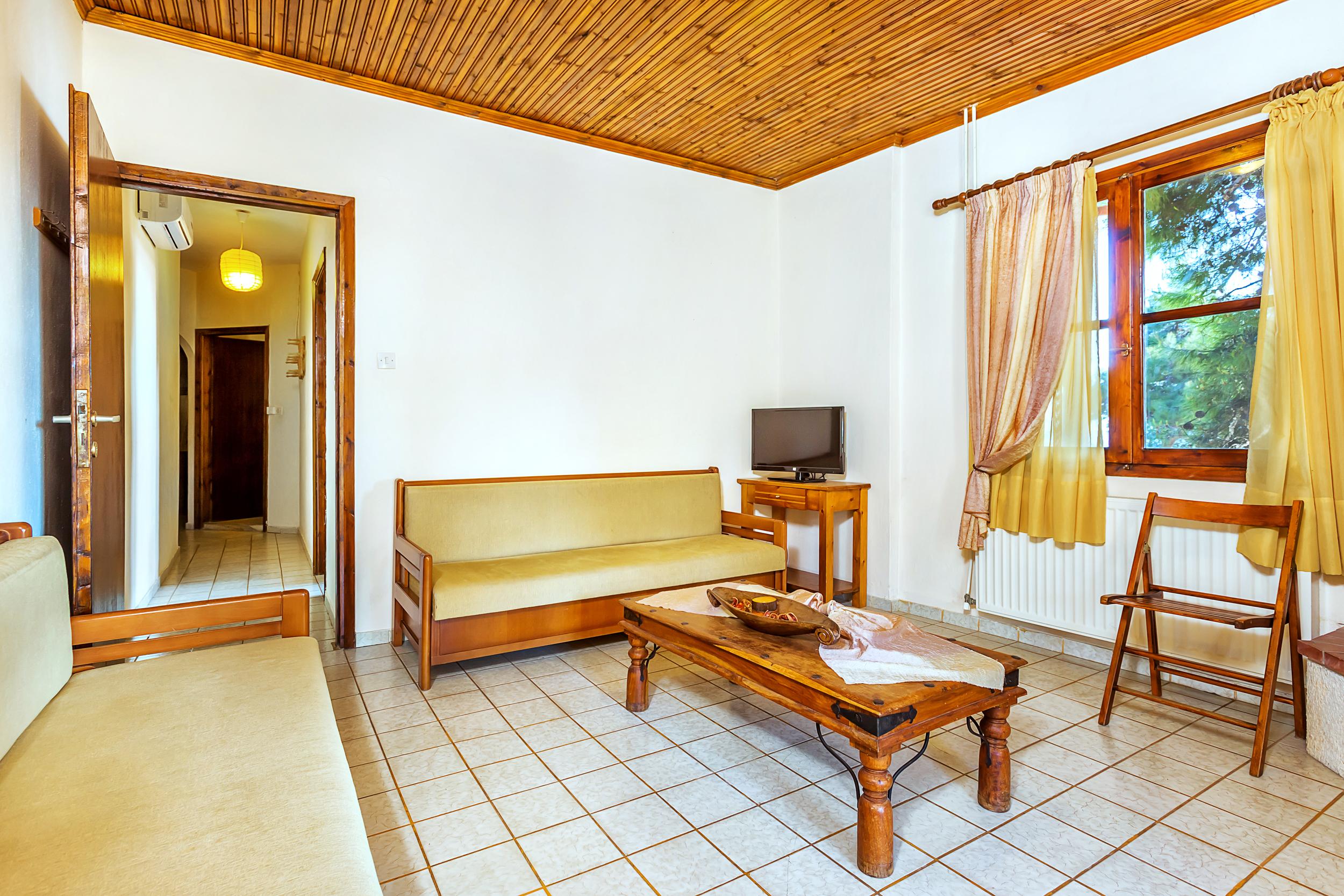 Xenios Karnagio Apartments