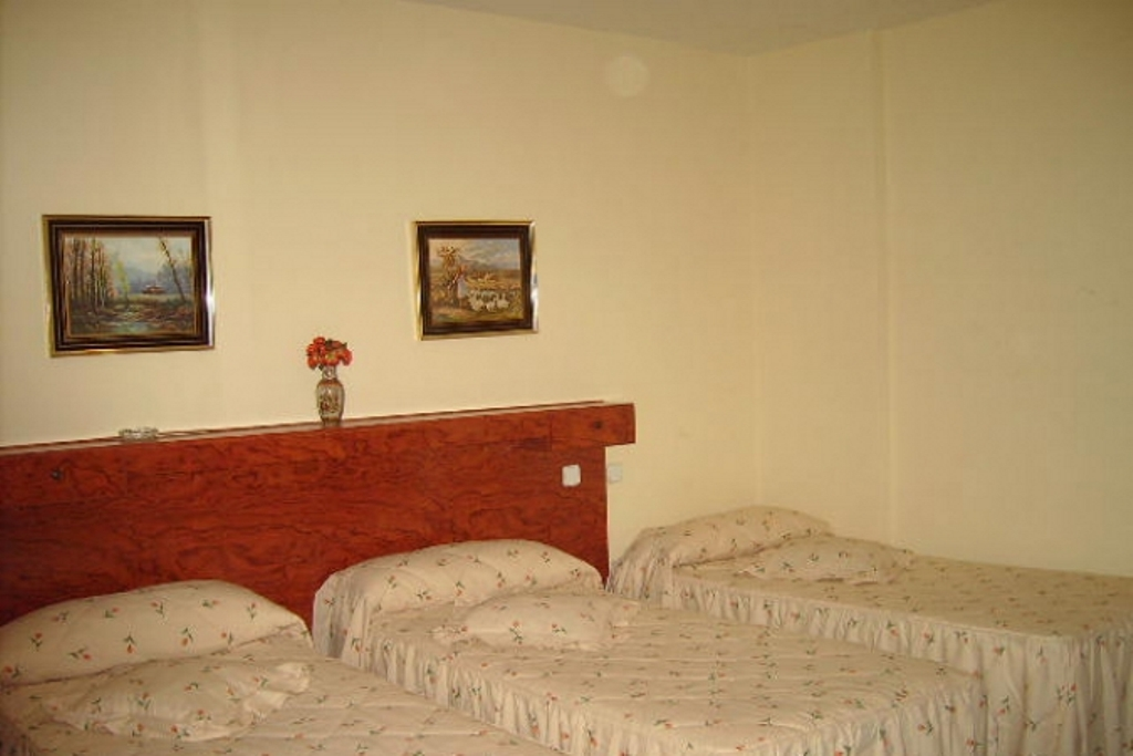 Hostal Moncloa en MADRID