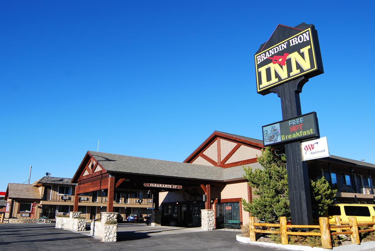Brandin Iron Inn, Gallatin