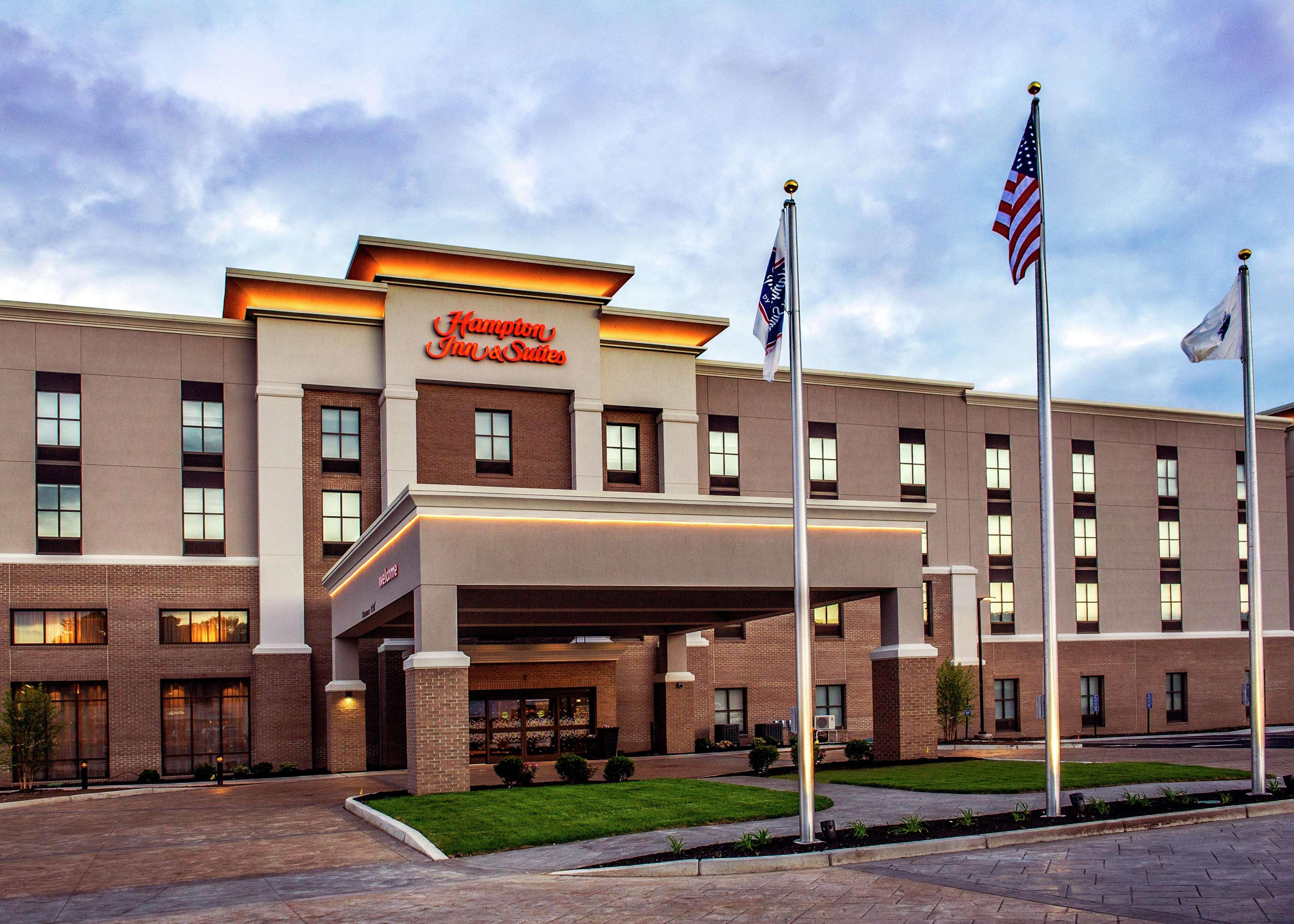 Hampton Inn & Suites Foxborough - Mansfield, MA, Norfolk
