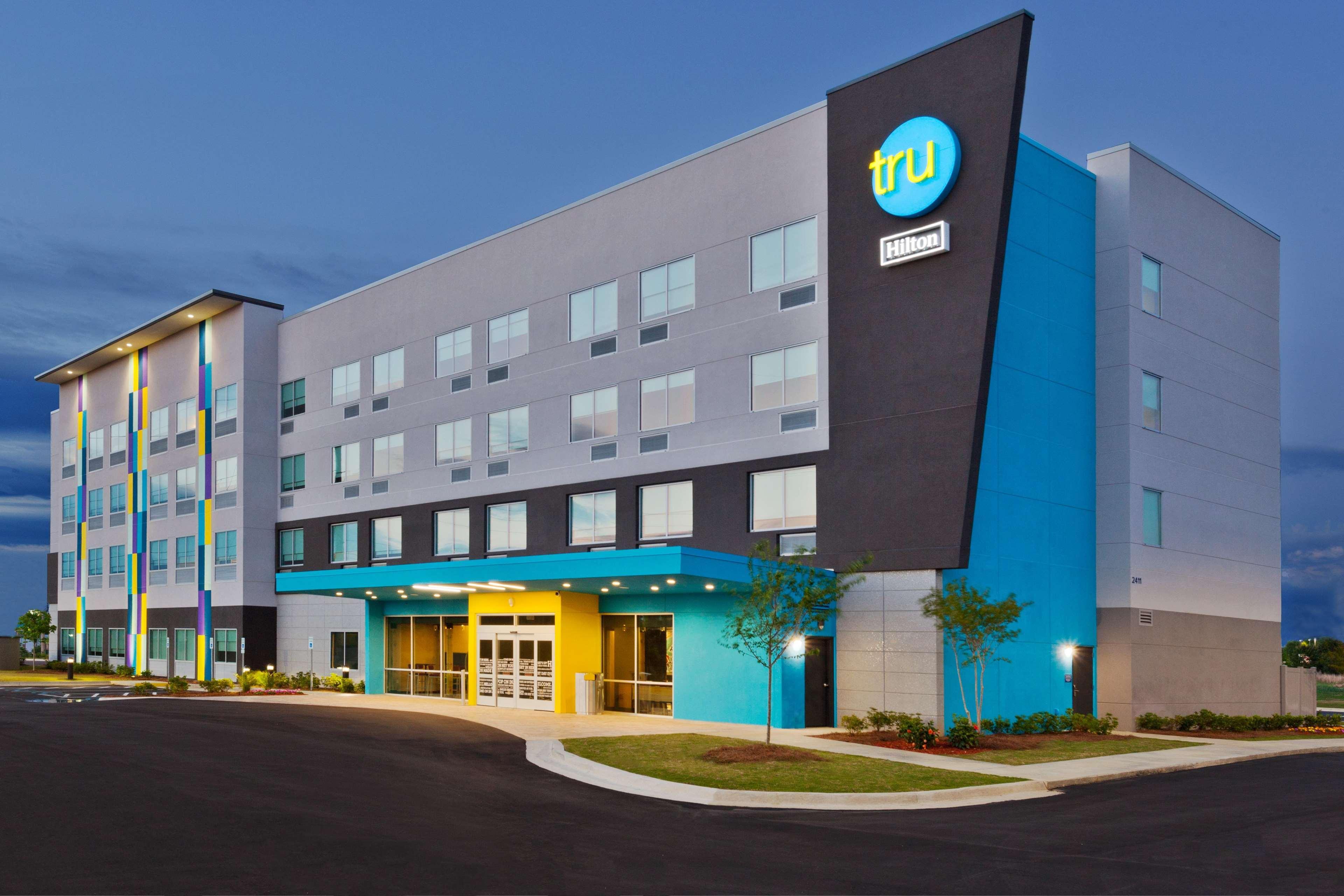 Tru by Hilton Auburn, Lee