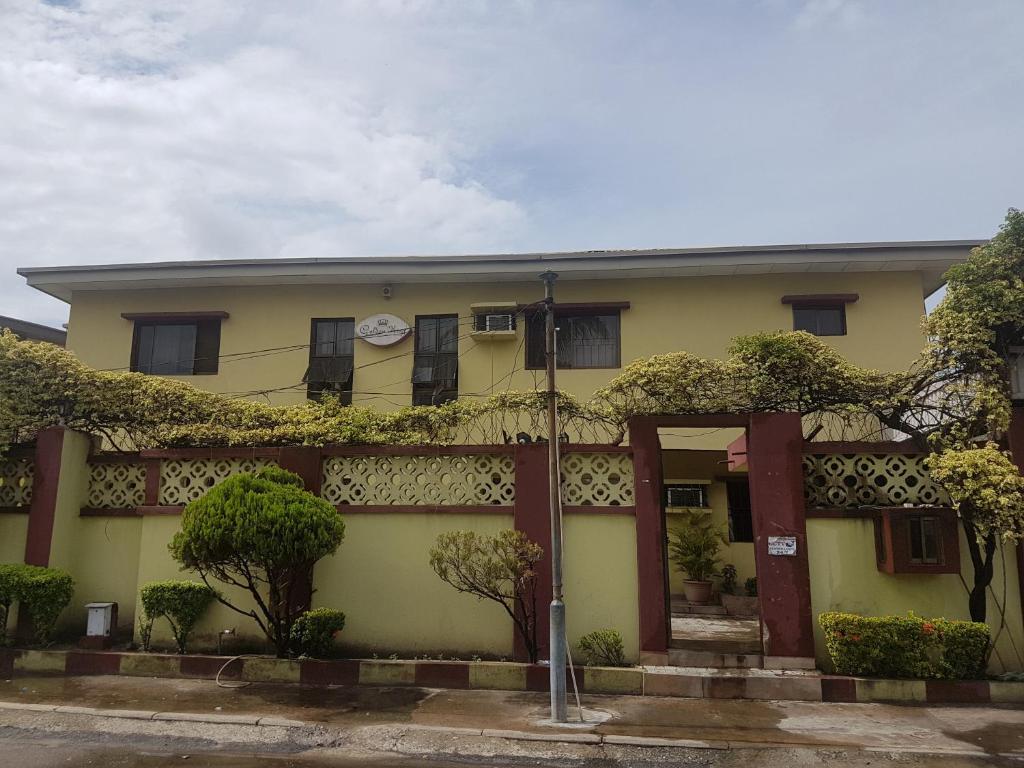 Golden King Apartments, Amuwo Odofin