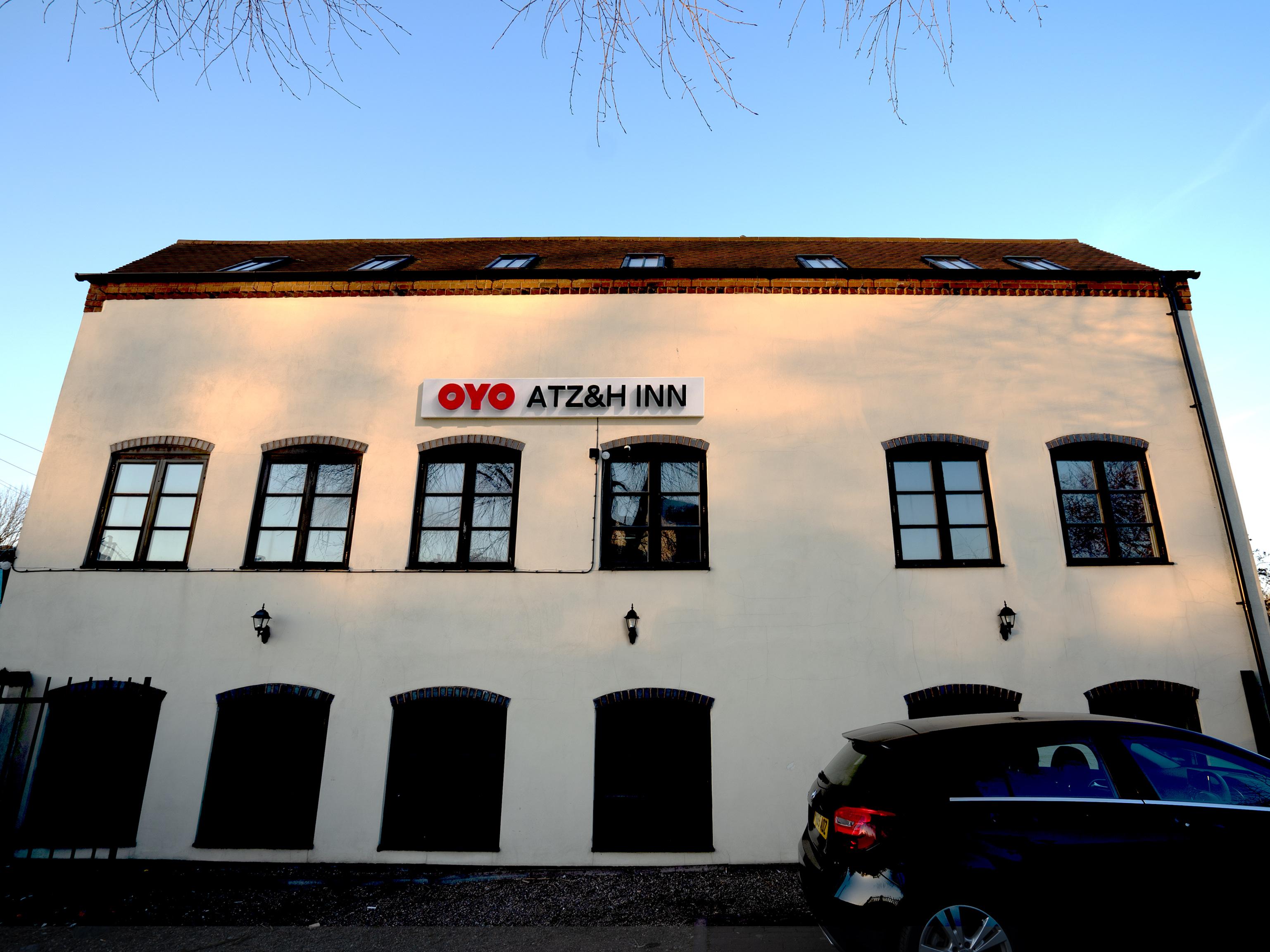 OYO ATZ&H Inn, Walsall