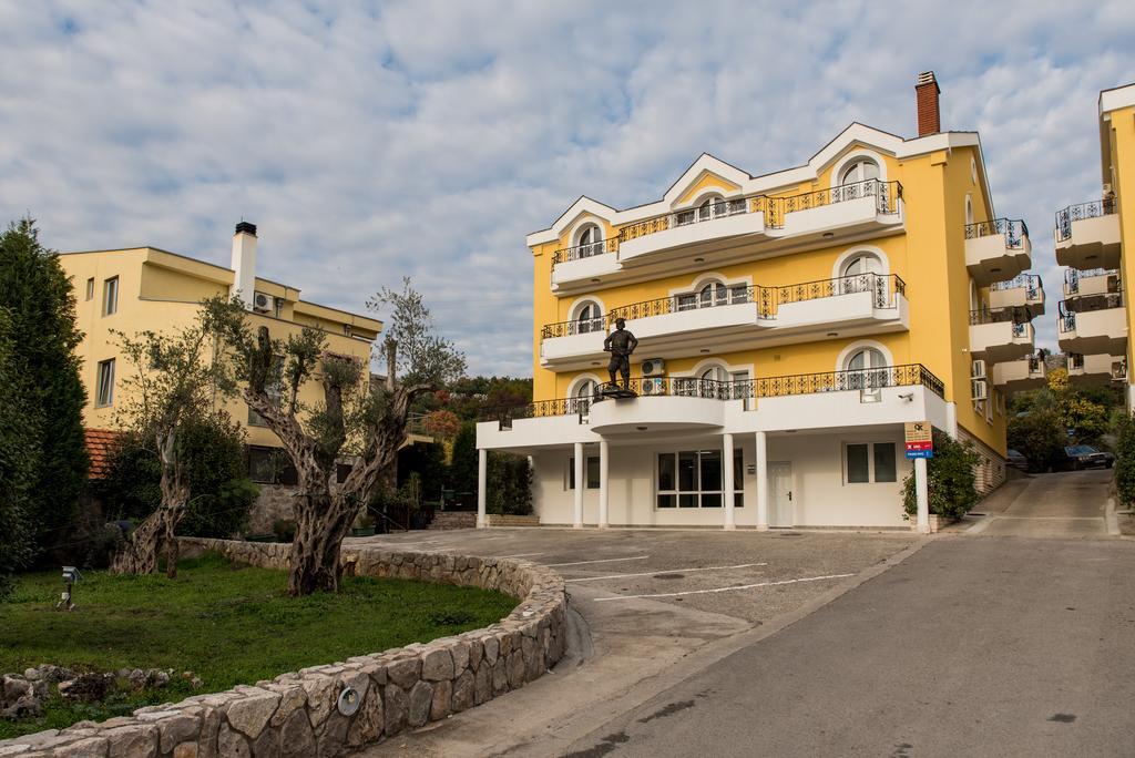 Crnogorska Kuća Hotel  Podgorica