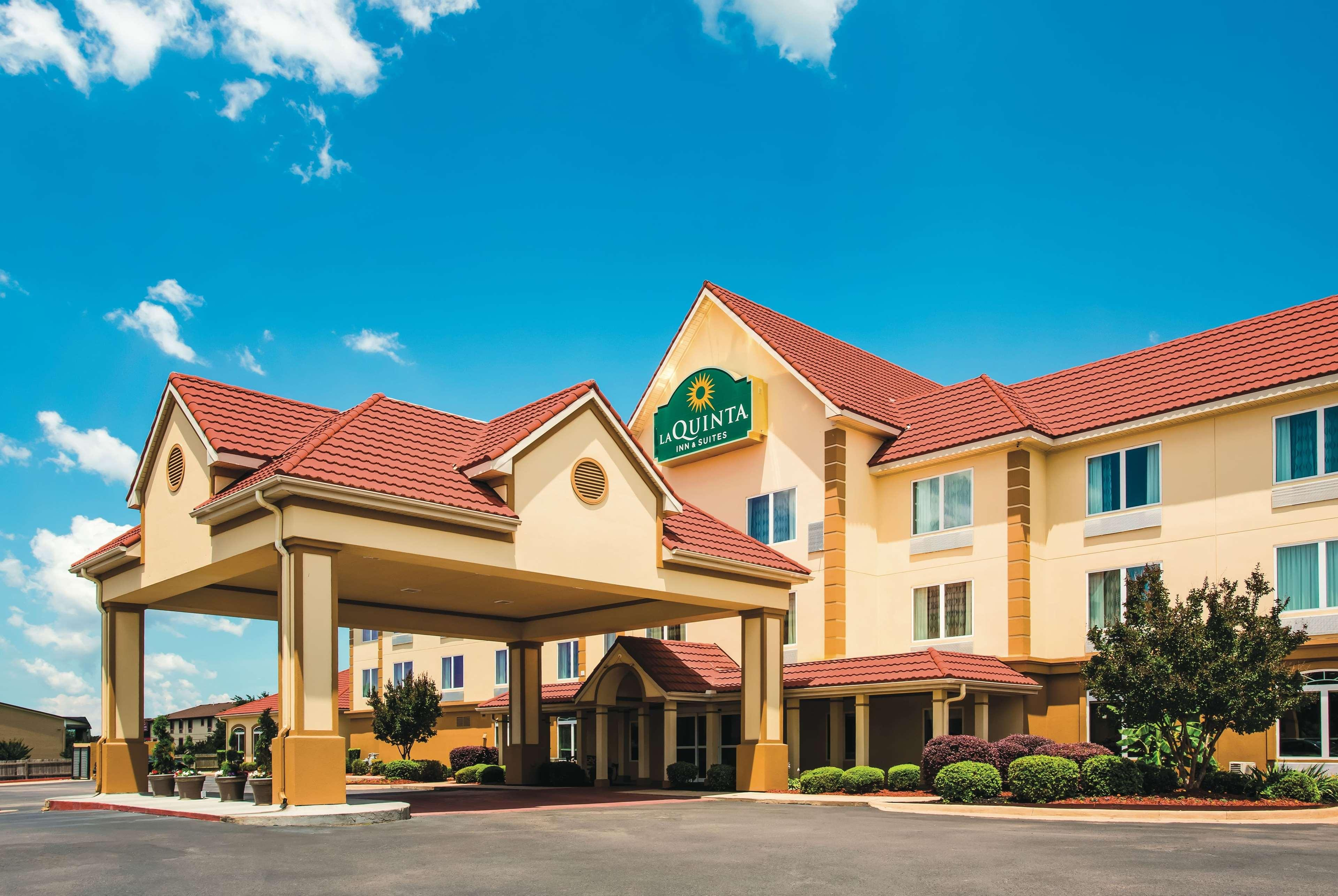 LA QUINTA INN SUITES BY WYNDHAM RUSSELLVILLE, Pope