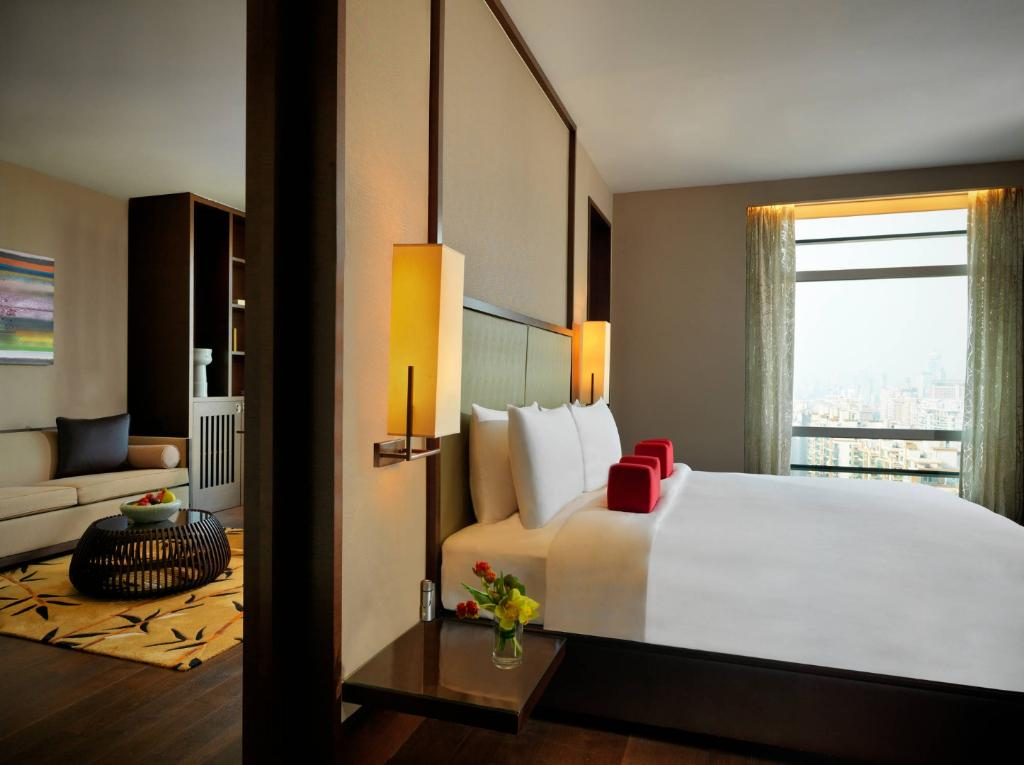 Suite deluxe king bed
