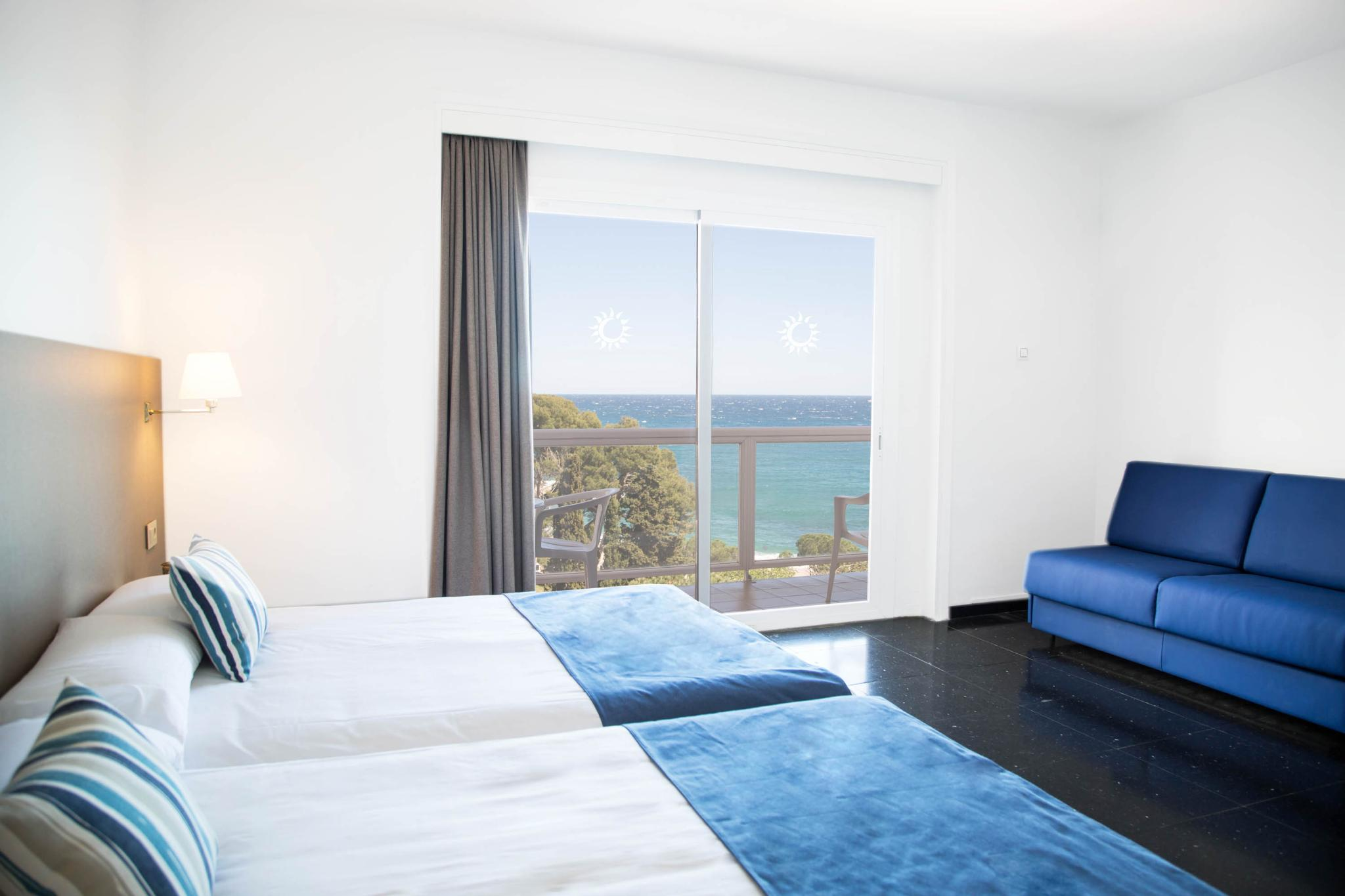 Double or twin superior sea view
