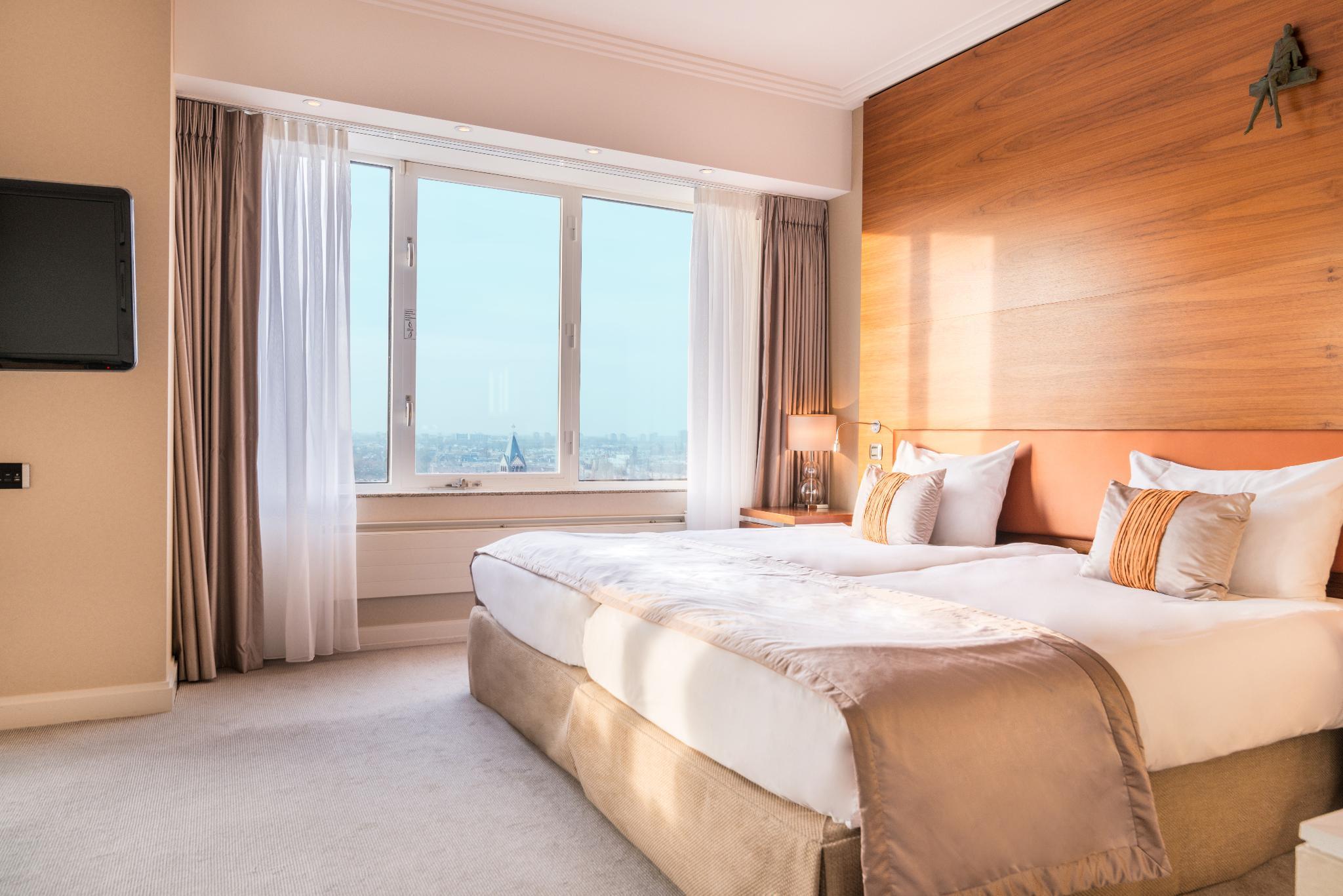 Junior suite superior city view