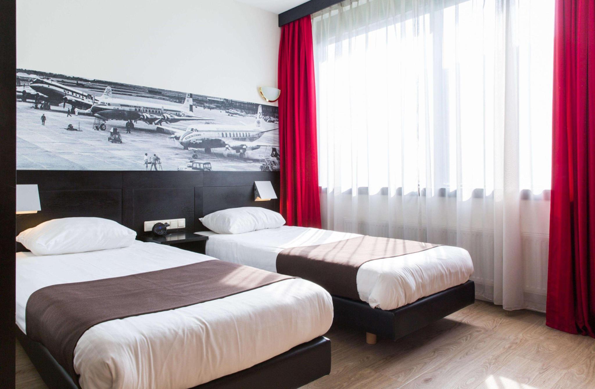 Quadruple three beds