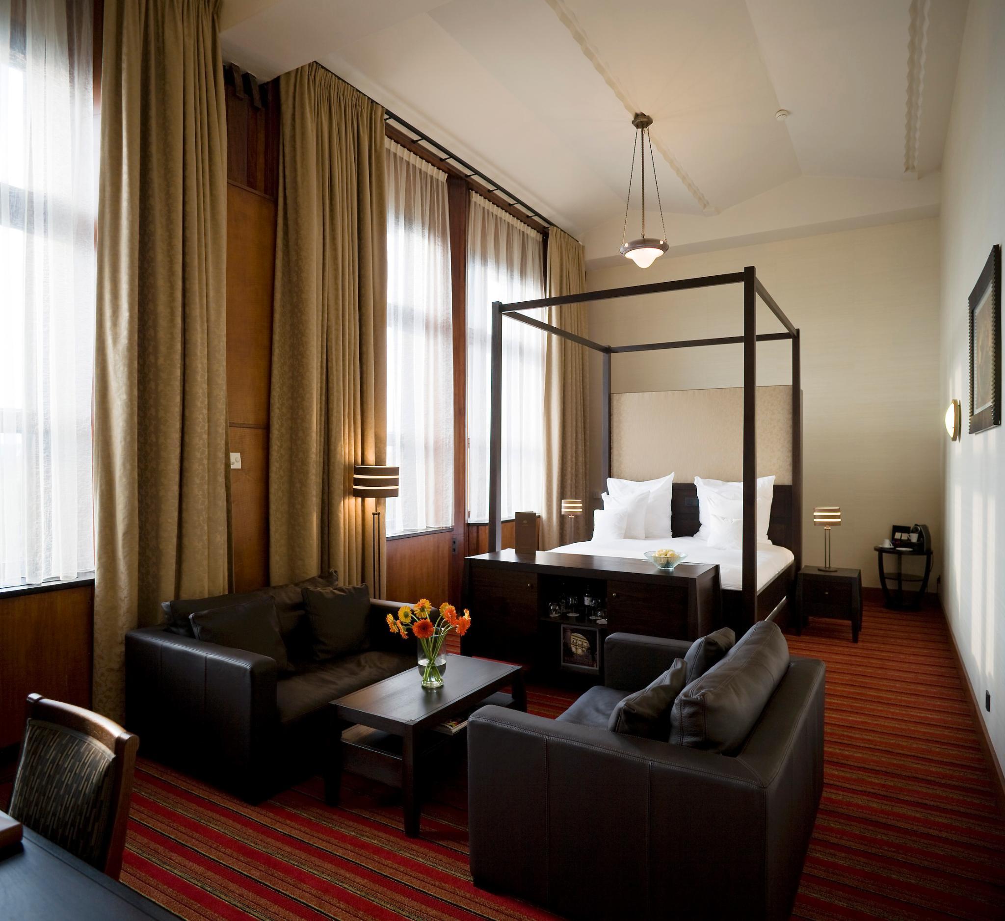Junior suite standard
