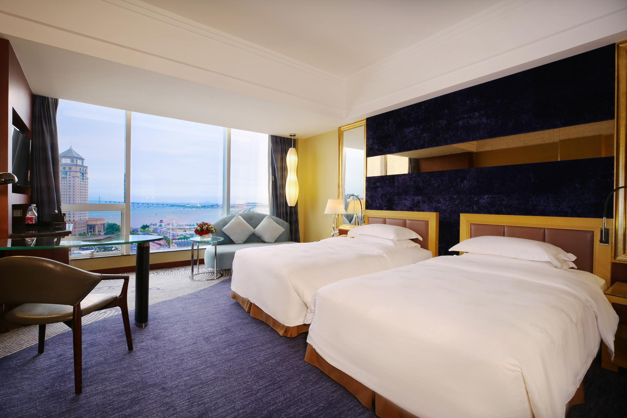 Twin deluxe sea view