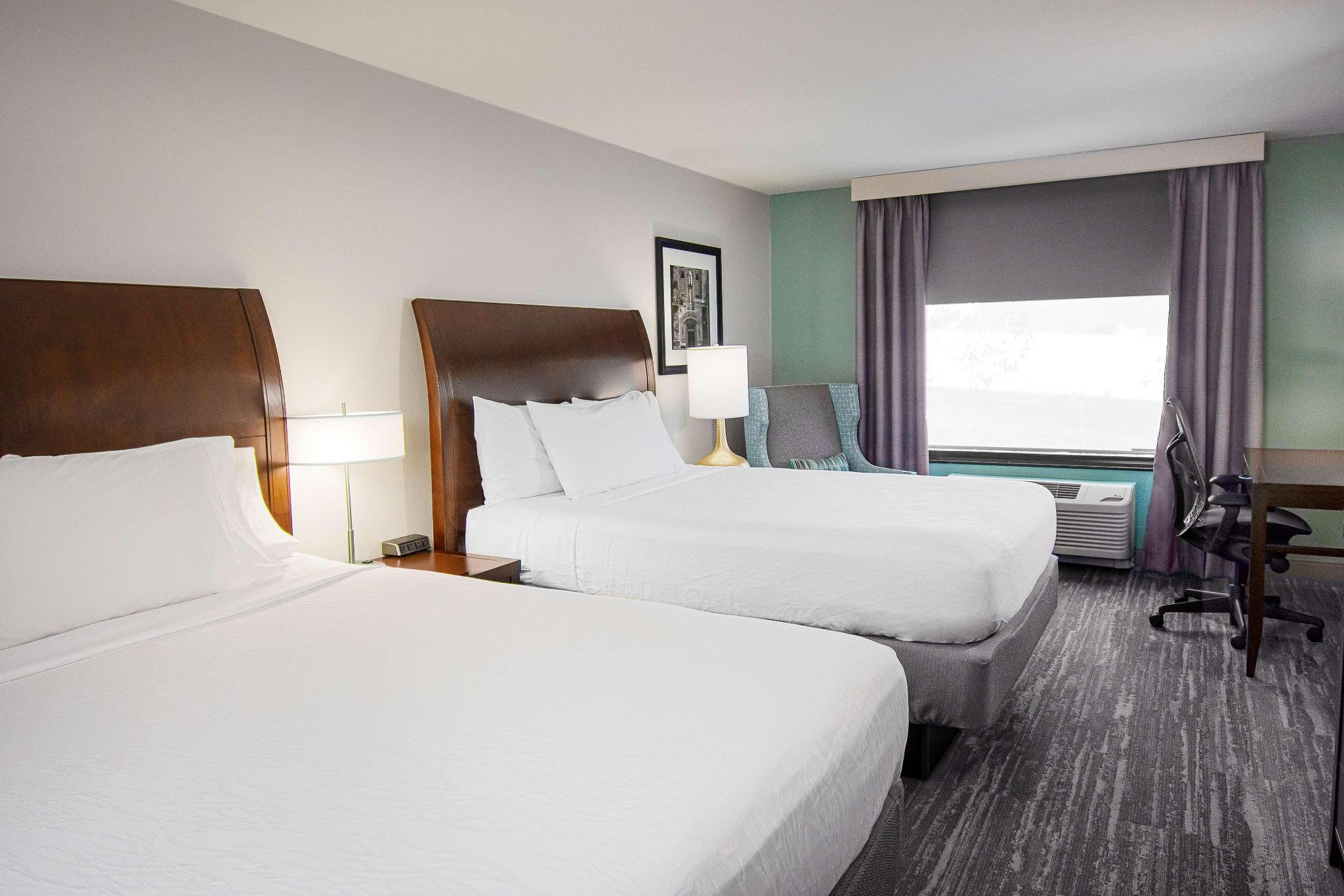 Suite two double beds one bedroom