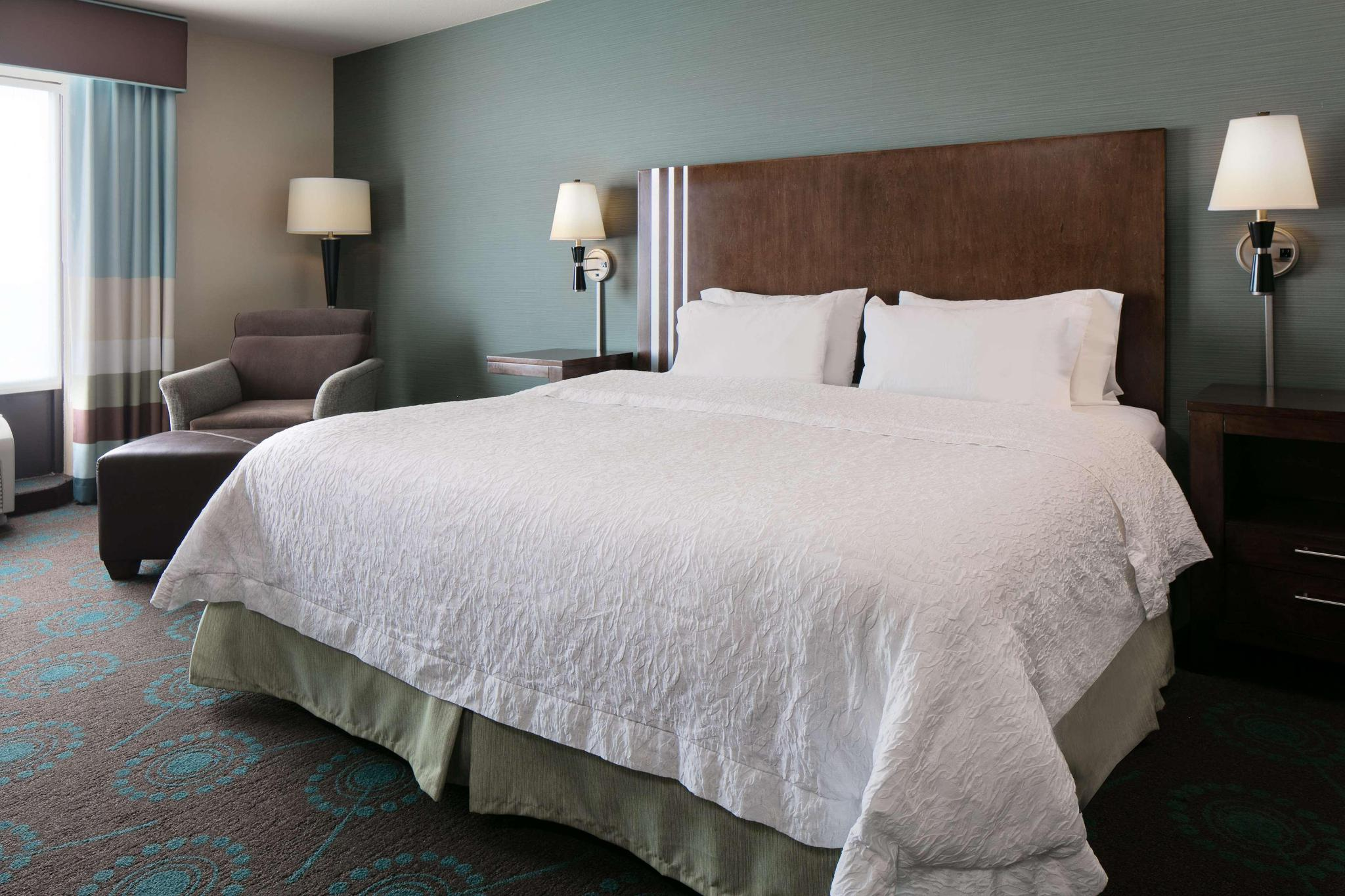 Suite king size bed