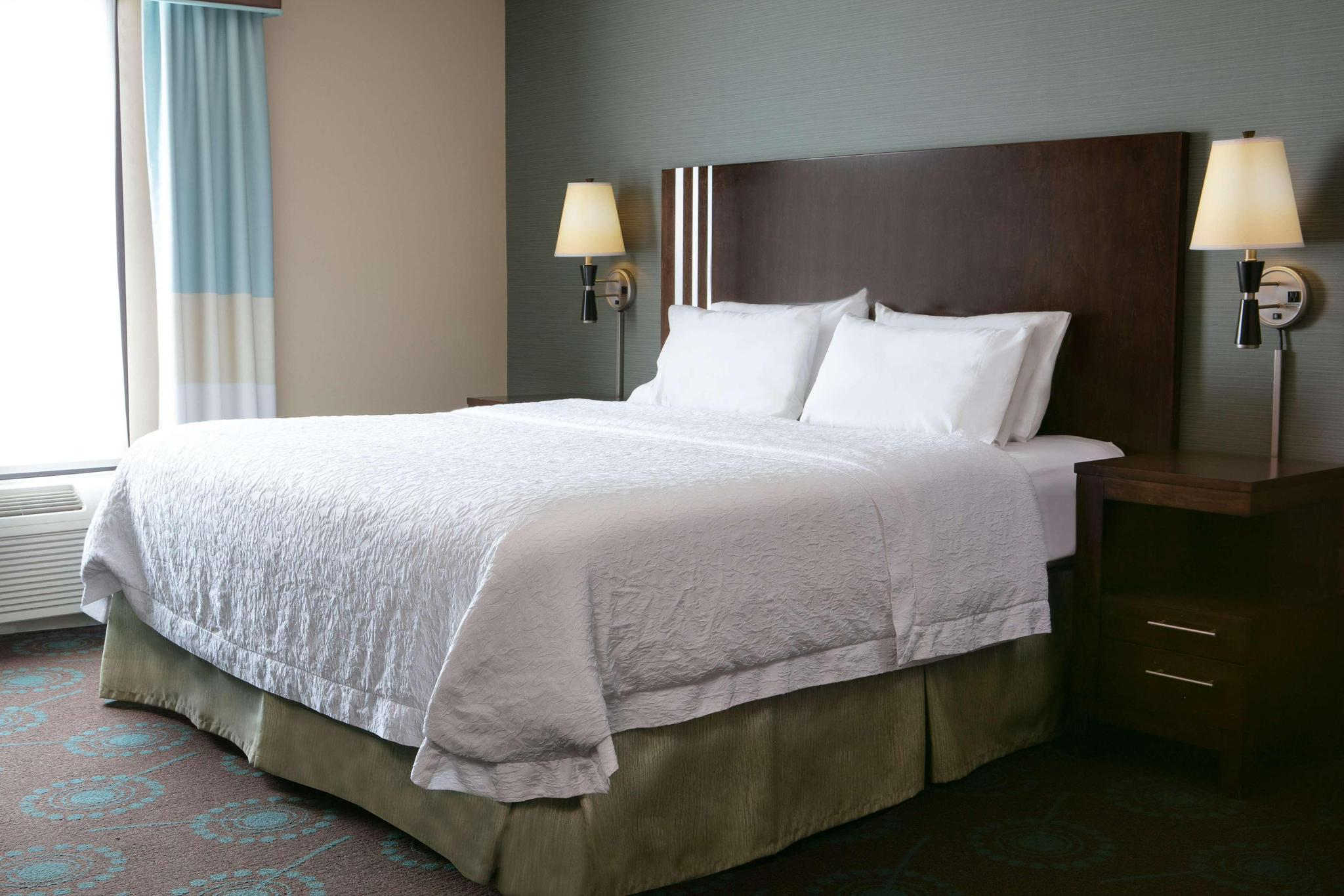 Studio king size bed