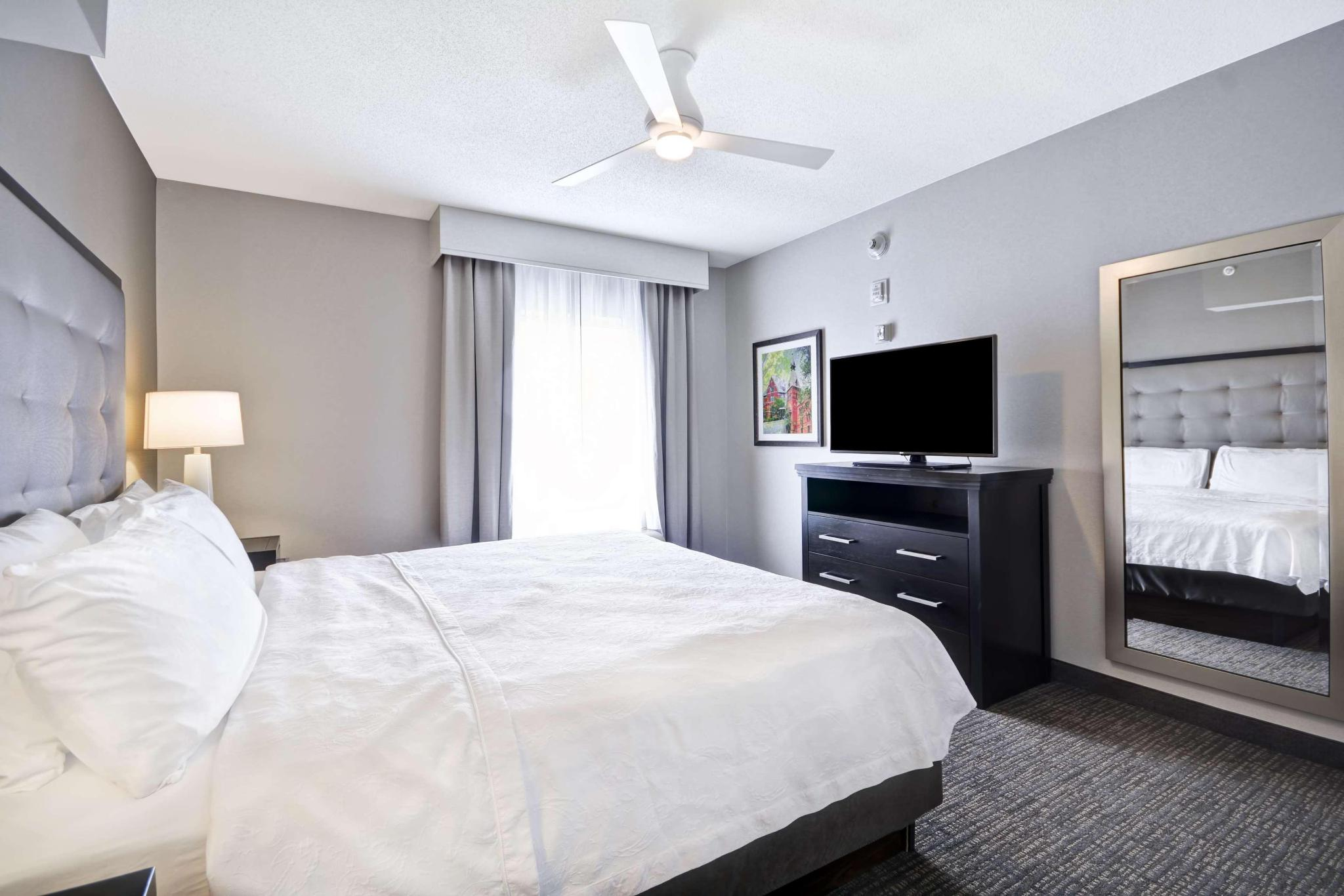 Suite two queen beds one bedroom