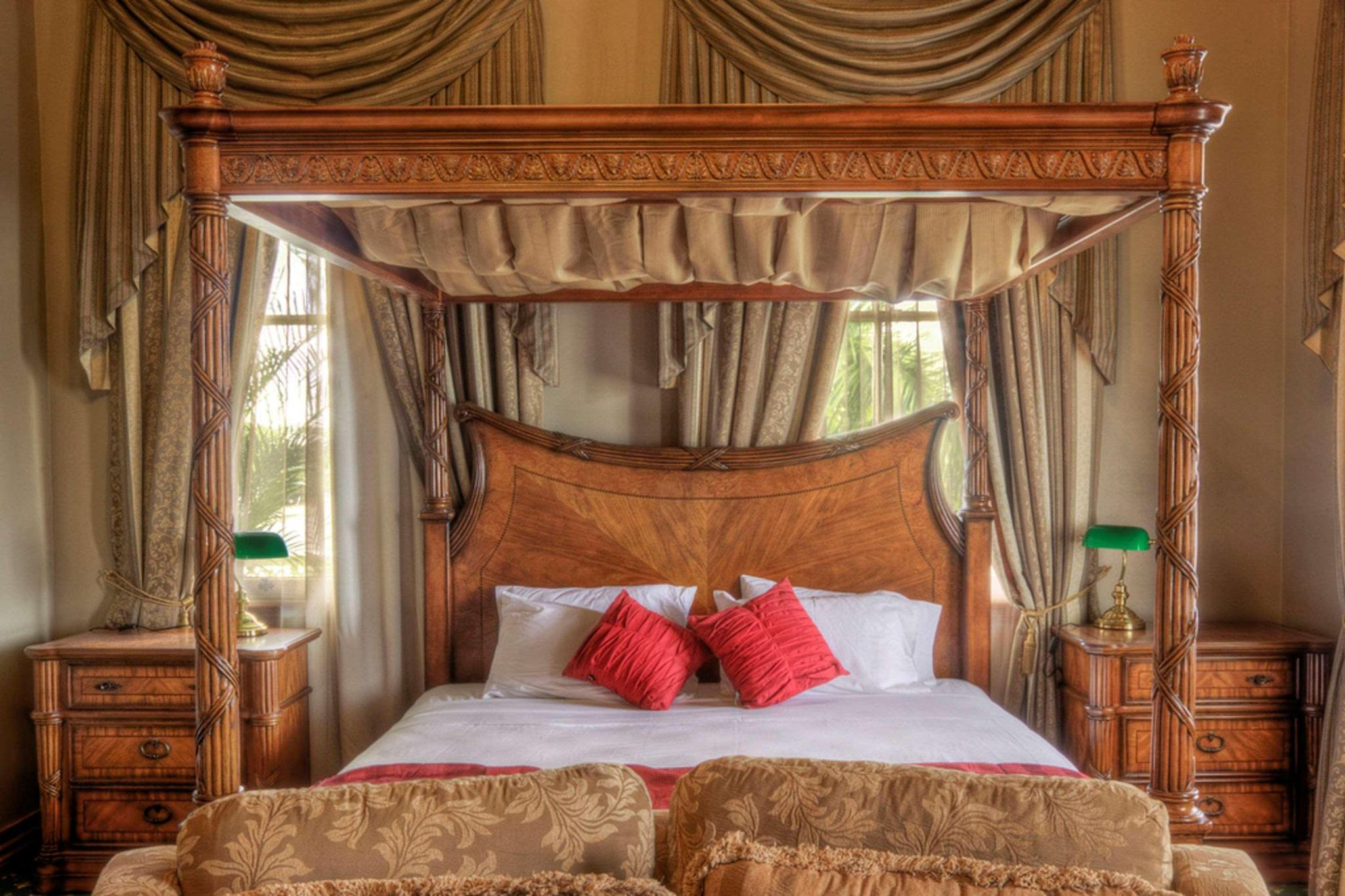 Suite king bed non smoking