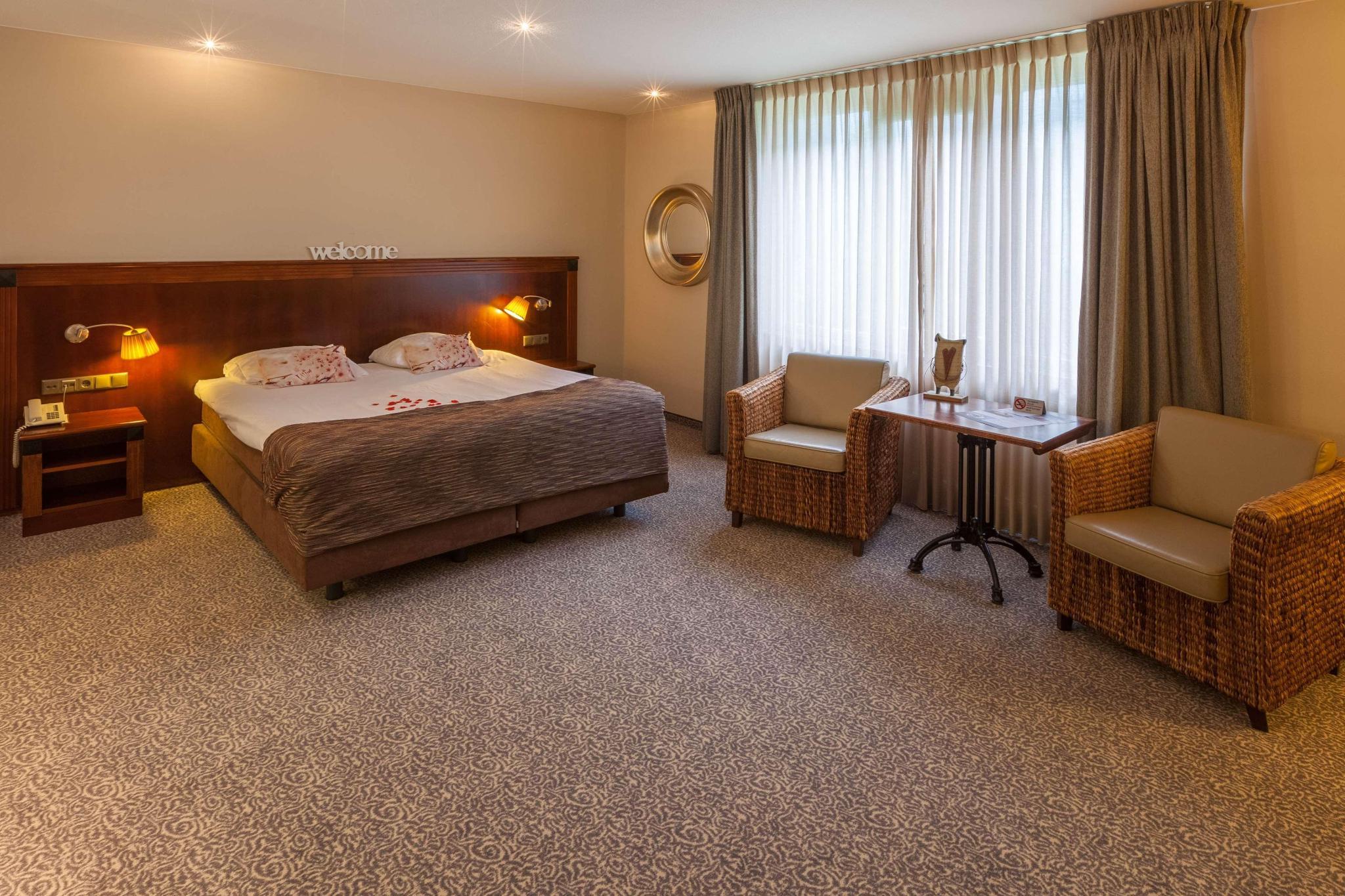 Suite queen size bed