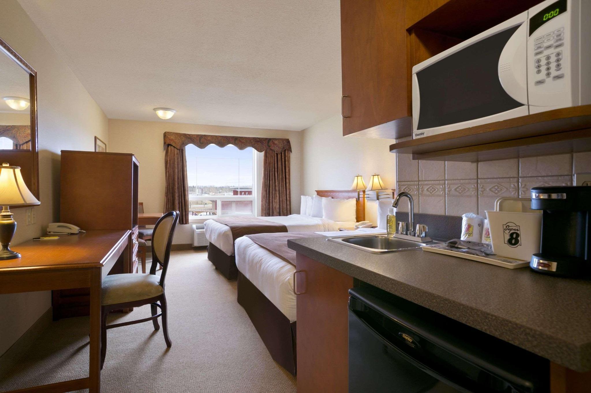 Room three beds