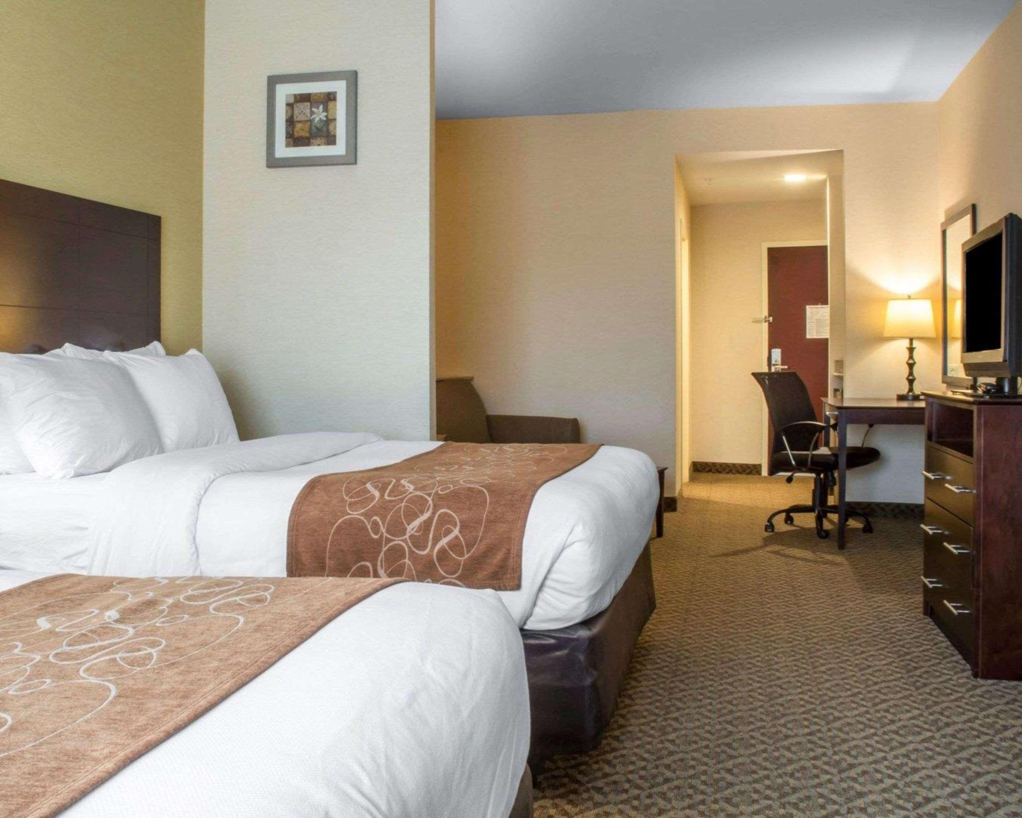 Suite two queen beds non smoking