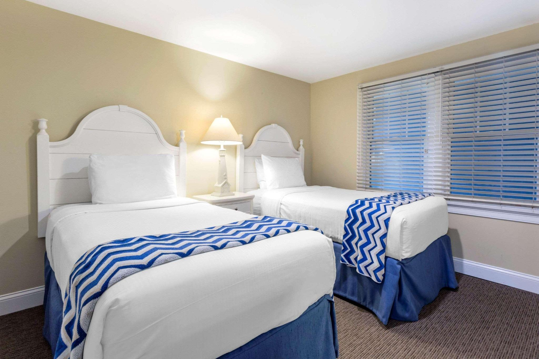 Suite three beds