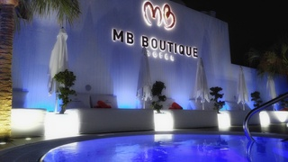 MB Boutique hotel, Plaza Chaparil,1