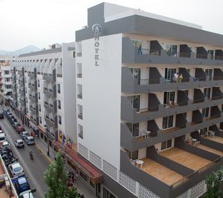 El Puerto Apartamentos, Carrer De Carles Iii,24