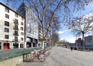 Barcelo Bilbao Nervion, Campo De Volantin Pasealekua,11