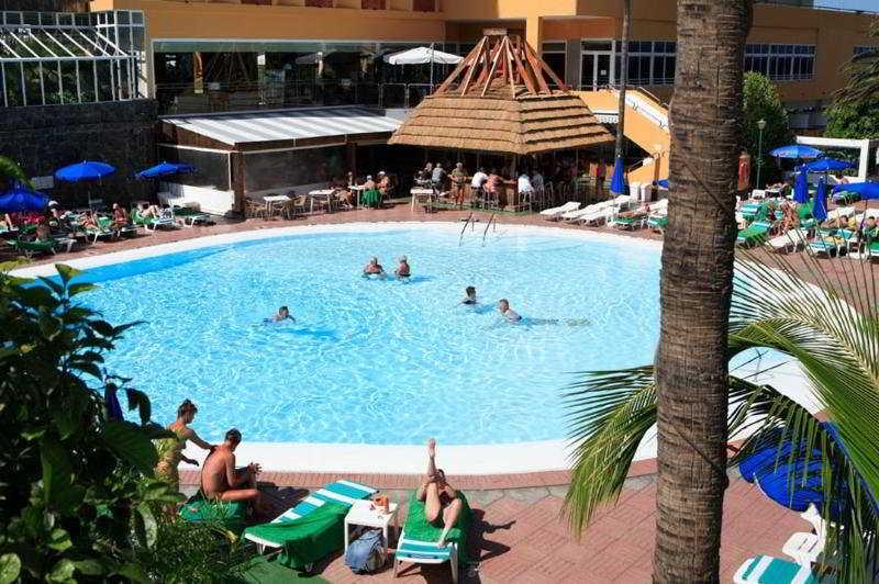 Lucana - Pool