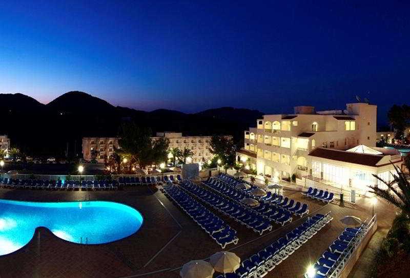 Invisa Hotel Club Cala…, Urbanizacion Playa Des Figueral,s/n