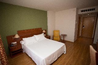 Avenida Hotel Almeria, Avenida Del Mediterraneo,281