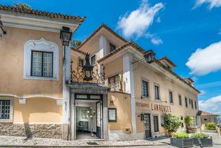 Lawrence's Hotel, Consiglieri Pedroso,38-40