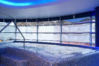 Centric Atiram Hotel - Pool