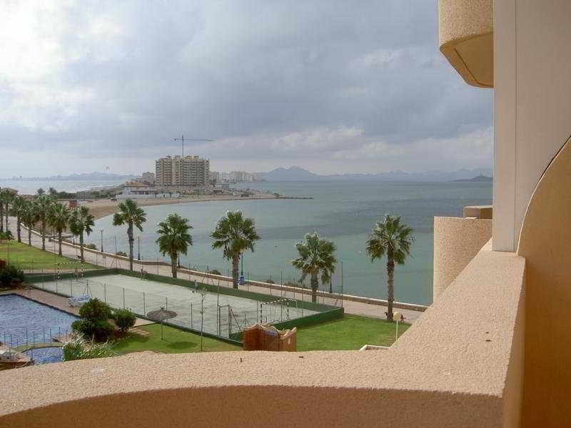 Puerto Playa, Gran Vía, Salida Nº 80 Urbanización…