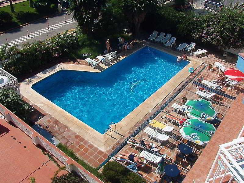 Don Paquito - Pool