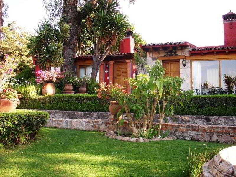 Villa San Jose Hotel…, Patzimba, Col. Vista Bella,77