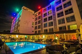 Napolitano Hotel & Casino, Av. George Washington (entre…