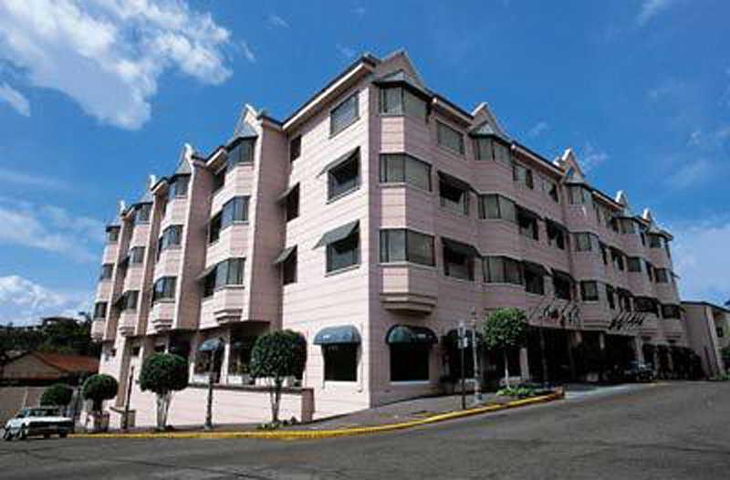Clarion Amon Plaza, Barrio Amon / Av 11 C 3 Bis,