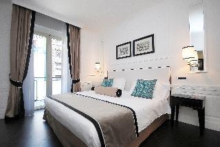 Grand Hotel Oriente, Via Armando Diaz,44