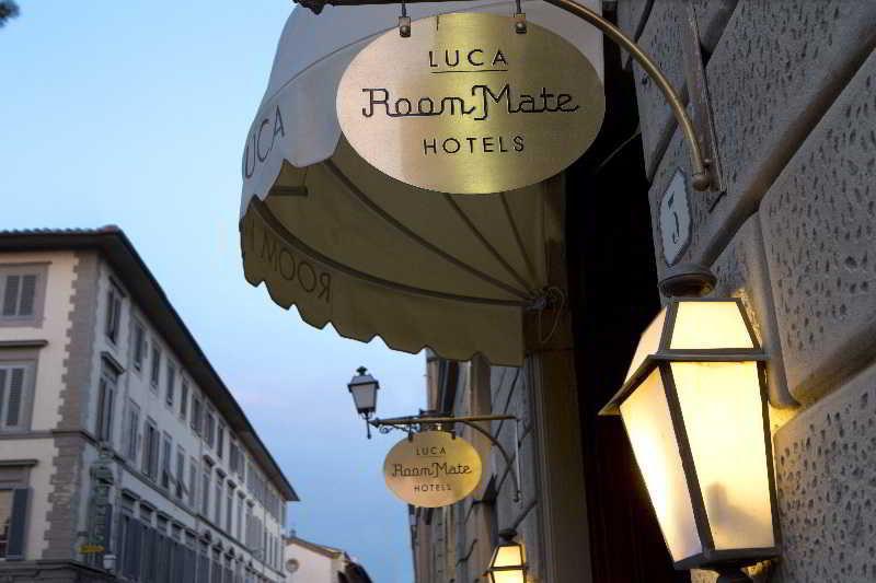 Room Mate Luca, Via Ventisette Aprile,3