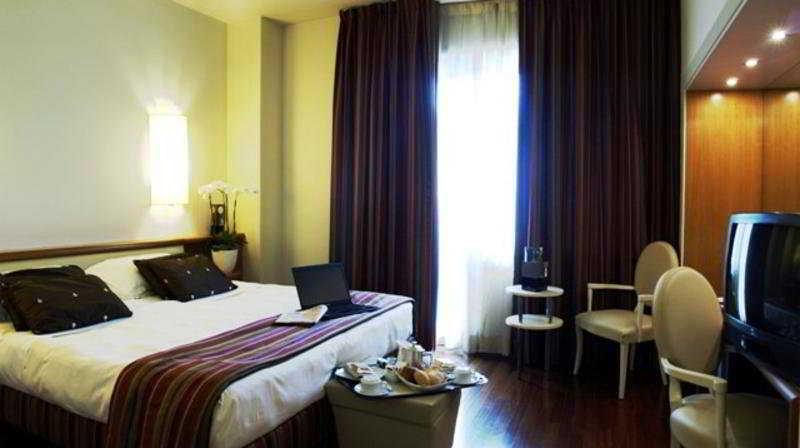 4 STERNE Hotel Londra :: in Firenze Florenz - Italien