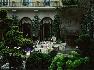 Four Seasons George V .