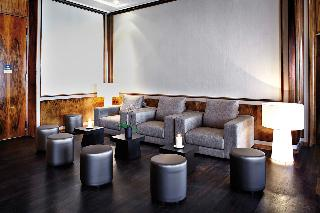 First Hotel Grand - Diele