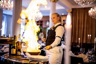 First Hotel Grand - Restaurant