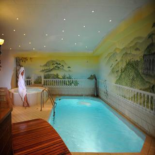 Albana Real - Pool