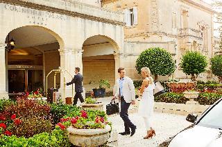 Corinthia Palace Hotel…, De Paule Avenuee,