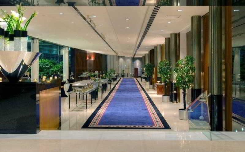 Jumeirah Emirates Towers - Diele
