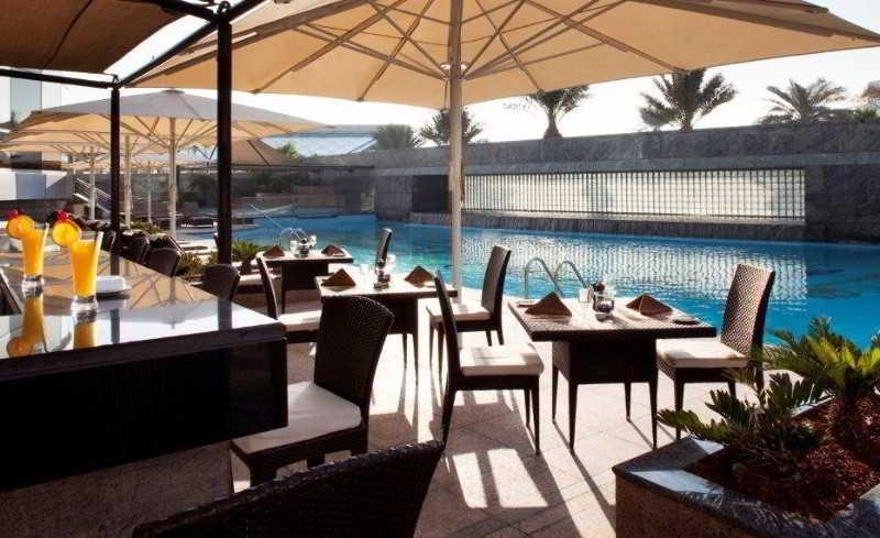 Jumeirah Emirates Towers - Pool