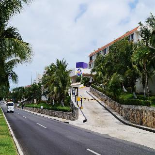 Solymar Beach Resort, Blvd. Kukulkan Km. 18.7,