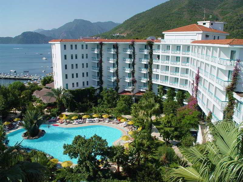 Tropical Beach Hotel, Kenan Evren Bulvari,55