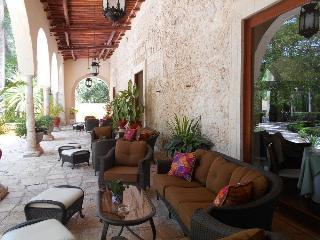 Hacienda Chichen Resort, Carretera Cancun,km 120